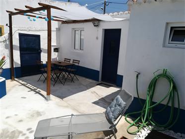 Casa rústica com 4 quartos, quintal e garagem junto ao Alqueva
