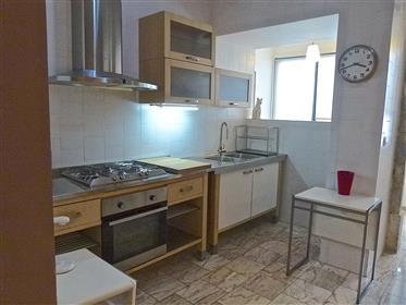 Apartamento T3 mobilado no Chiado, em Lisboa
