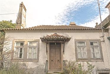 Casa Senhorial na encosta da Serra da Estrela, Beira Baixa