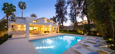 Fully renovated villa for sale in front line of Las Brisas Golf in Nueva Andalucia