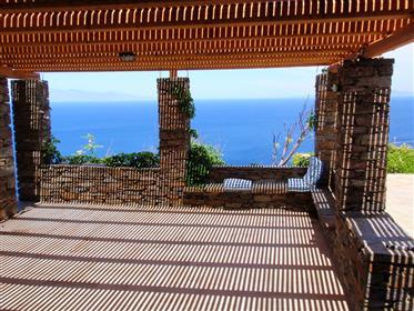 Kea, magnifique maison vue sur mer