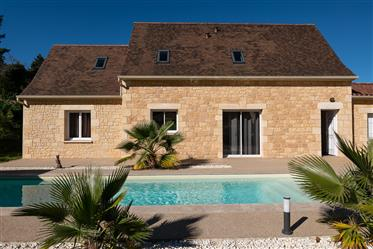 4 Bedroom Modern Property with Pool in Sarlat