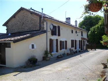 Ανακαινισμένο Charentaise longhouse / επιτυχής Chambre d'Hôte.