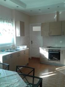 Διαμέρισμα : 145 τ.μ.