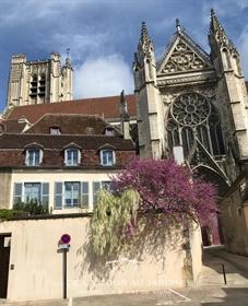 Auxerre Centre Historique en plein coeur de la Bourgogne