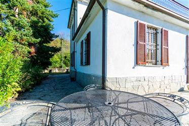 Sulle alture di Acqui Terme, casa semindipendente...