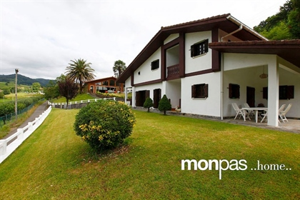 Sweet Home Monpas. Spectacular detached villa in Asteasu with many possibilities. Ideal fo...