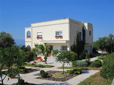 Spacious villa in Eretria