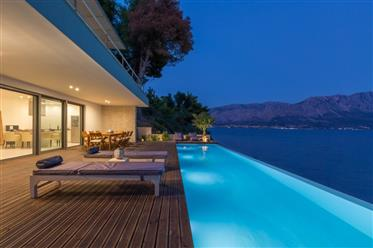 Seafront Luxury Villas
