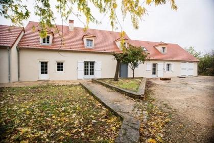 Villa Neuve Style Longere