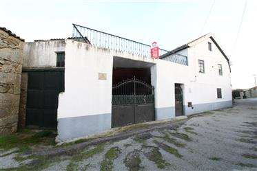 Moradia, 3 quartos, Almeida, Azinhal, Peva e Valve