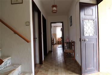 Moradia Geminada, 3 quartos, Sabugal, Sabugal