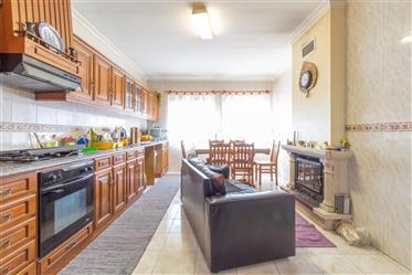Διαμέρισμα : 133 τ.μ.