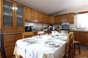 Set of 2 rustic villas, unified with 338 m2, spread over 2 floors and partially refurbishe