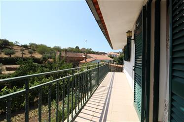 Moradia 6 quartos, Escarigo, Fig. Castelo Rodrigo