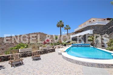 Finca-Anwesen mit Meerblick in Alcalá, Guía de Isora, Tenerife South!