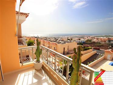 Casa adosada moderna y reformada con vistas al mar en Roque del Conde, Adeje, Tenerife Sur!
