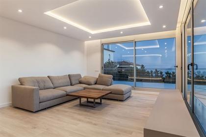 Vivenda: 887 m²