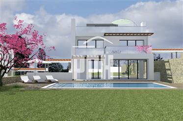 Vivenda: 333 m²