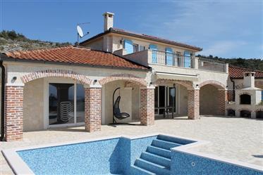 Magnifique Villa en pierre avec vue panoramique