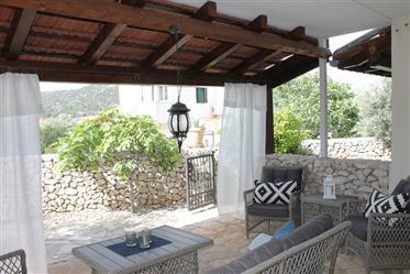 Erstaunliche 2-Zimmer-Wohnung mit großer Terrasse und Pool