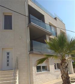 Luksuzna nekretnina : 310 m²