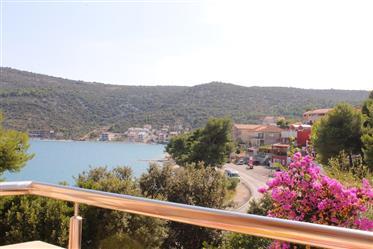 Magnifique appartement à quelques mètres de la mer.
