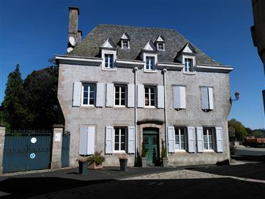 Magnificent maison de maître with B&B business