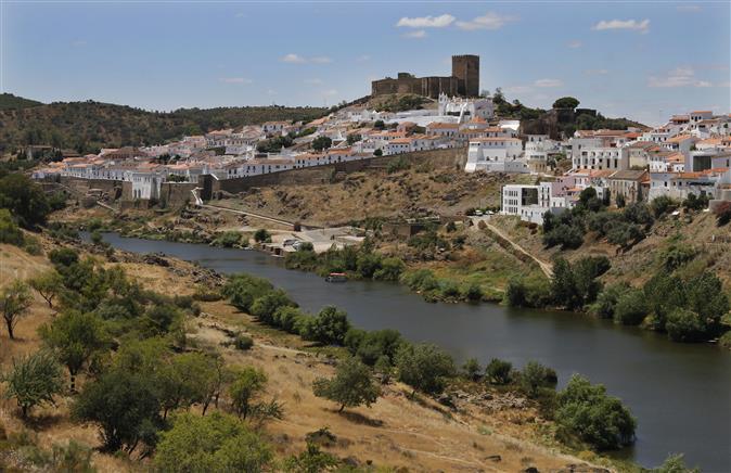 Μεγάλη ευκαιρία να αγοράσετε στην Πορτογαλία