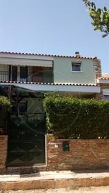 Σύγχρονη κατοικία : 180 τ.μ.