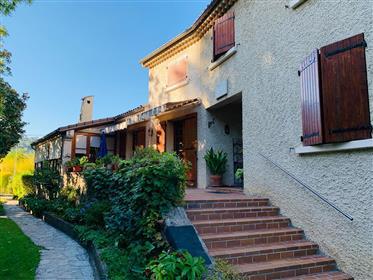 Maison avec parc à Aubenas 7 pièces 165m²