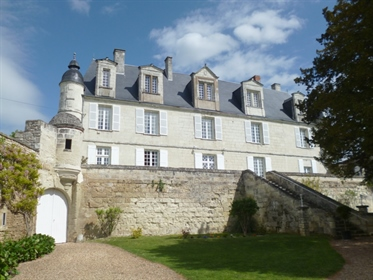 In Poitou a stunning castle tastefully restored