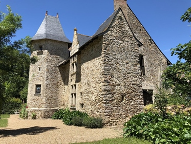 Superbe manoir restauré en Anjou