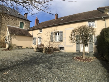 Charmante maison de village restaurée en Normandie