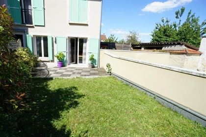 Thoiry centre. 2 pièces en rez-de-jardin de 37,86 m² habitab...