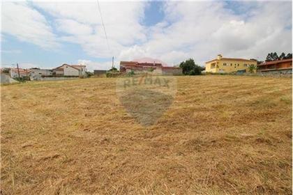 Terreno: 670 m²