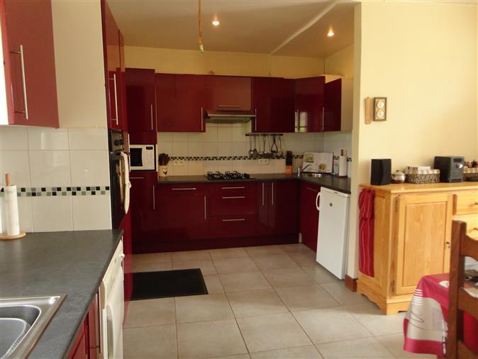 2 Häuser zum Verkauf (Privatverkauf) Nr. Agenturgebühren