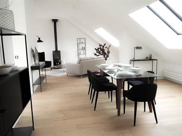 Face Erdre, Dernier Etage, vaste appartement de type 5