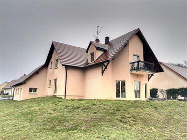 House: 205 m²