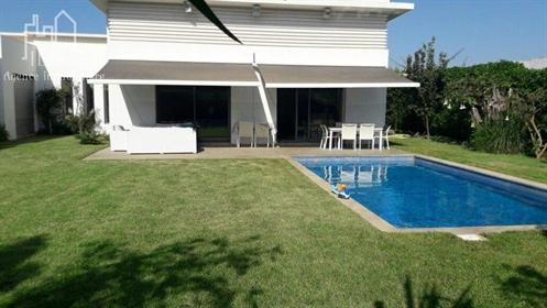 Villa 366 M2 ,Piscine,Jardin,Terrain 1000M2