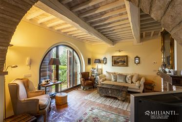 Appartement avec 2-3 chambres dans un beau hameau à seulement 5 minutes de Volterra