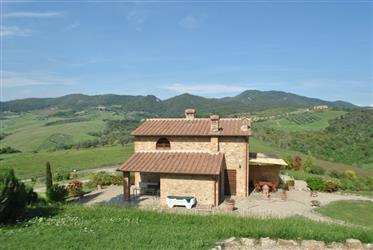 Semi-vrijstaand met 3 kamers inplex met zwembad op het platteland van Gambassi Terme-Firenze