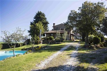 Casa : 322 m²
