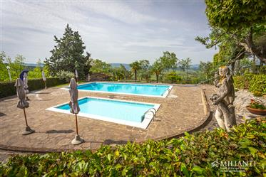For sale amazing fatmhouse with former barn, 2 swimming pool and 7300 sqm of land in a fantastic pan