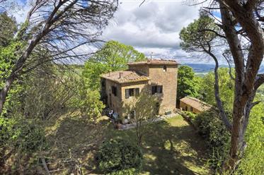 Casolare a pochi passi dal centro di Volterra