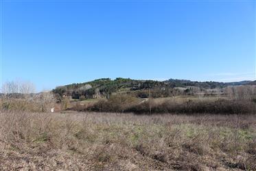 Teil der Hütte in der Landschaft von Volterra