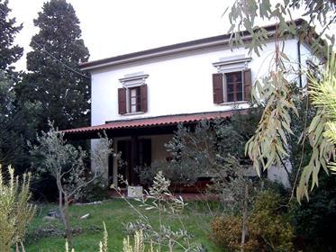 Porzione casa in stile Libert