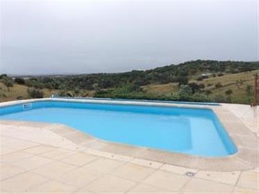 Semi Bungalow met zwembad