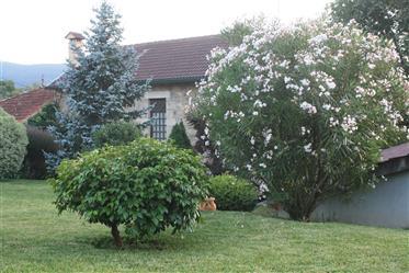 Ρουστίκ αγροικία με 2 πέτρα σπίτια, β.ν. De Cerveira