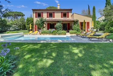 Villa provençale à vendre dans un domaine sécurisé - A vendr...